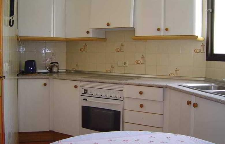 Marina Apartamentos - Room - 2