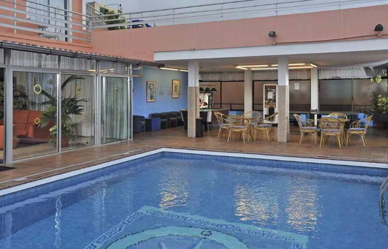 Globales Acuario - Pool - 7