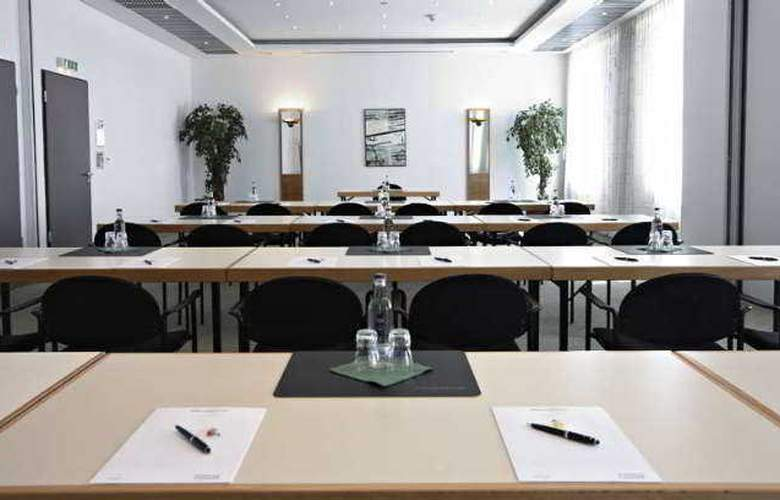 Intercity Hotel Rostock - Conference - 0