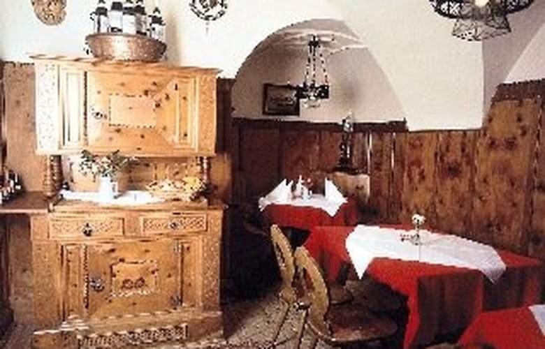 Gasthof Unterm Rain - Restaurant - 5