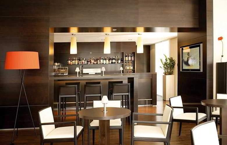 NH Dusseldorf Konigsallee - Bar - 5