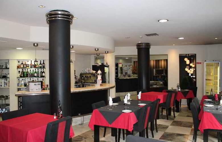 Residencial Greco - Bar - 13