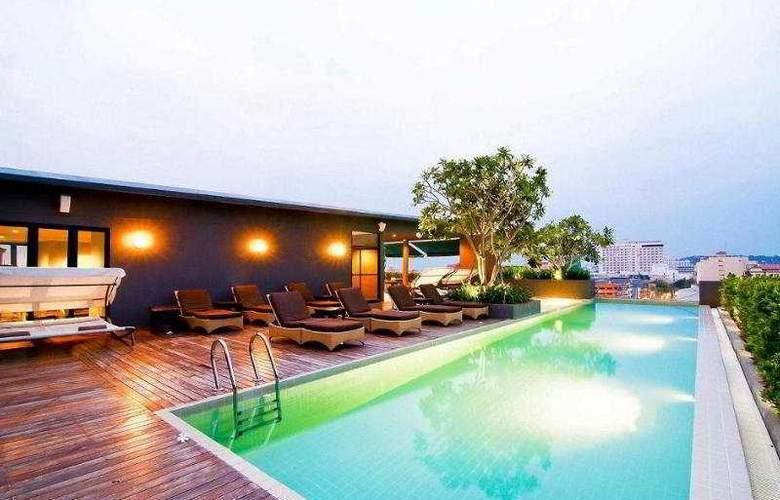 Page 10 Hotel Pattaya - Pool - 6
