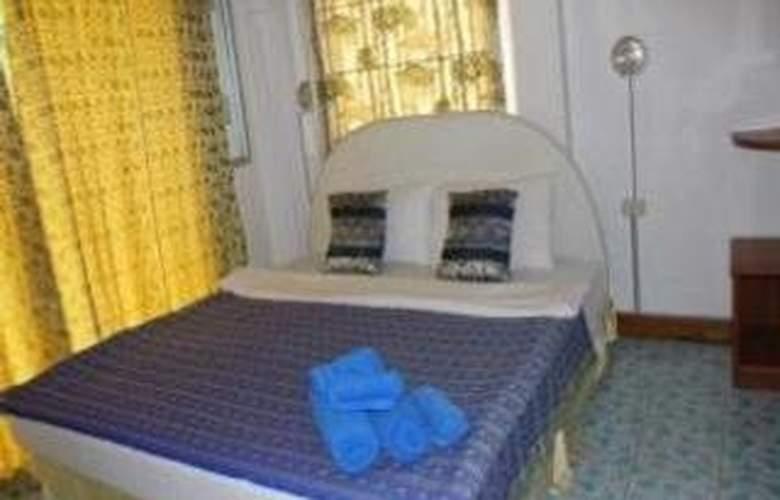 Beach Road Inn - Room - 8