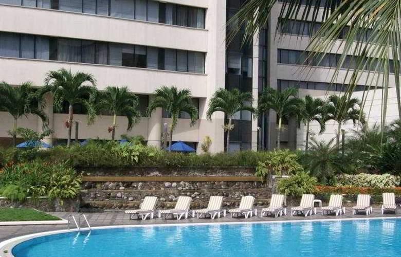 Hilton Colon Guayaquil - Pool - 5