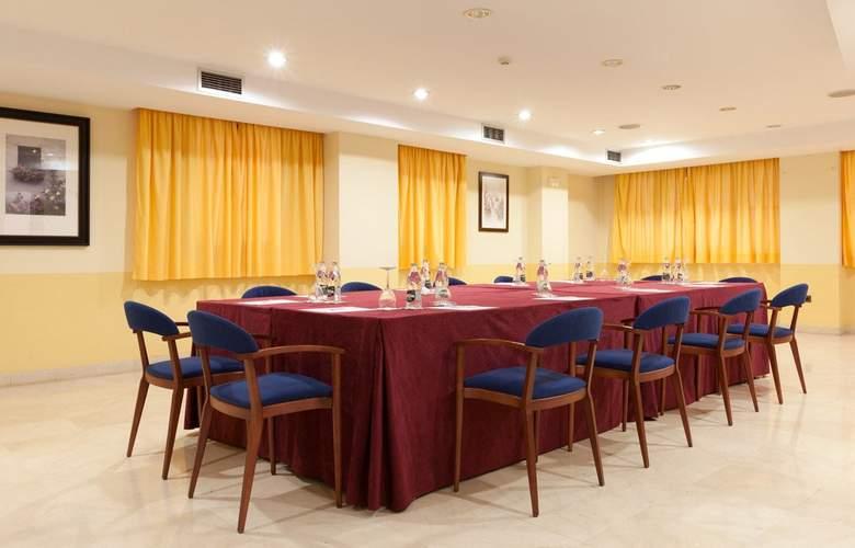 Senator Huelva - Conference - 4