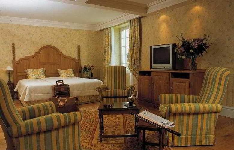 Chateau de Brindos - Room - 4