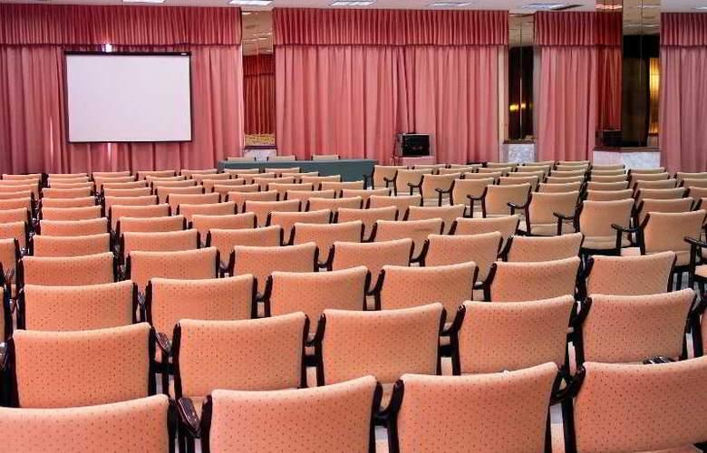 Cavanna - Conference - 57