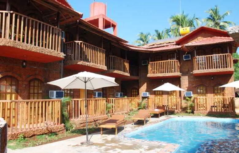 Ruffles Resort - Pool - 16