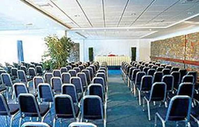 Porto Heli - Conference - 4