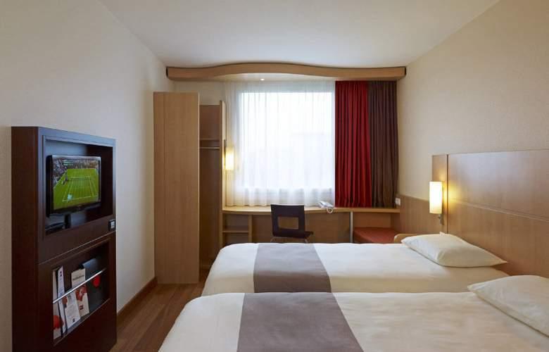 Ibis Warszawa Reduta - Room - 11
