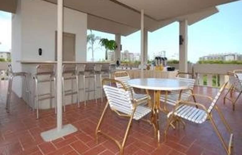 Quality Inn El Portal - Terrace - 4