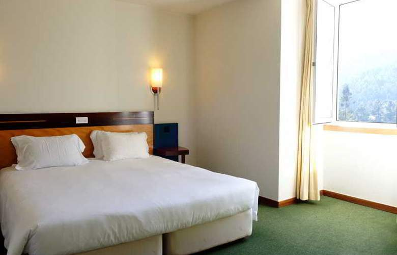 Golden Tulip Braga - Room - 29