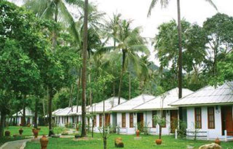 Sila Beach Resort - Hotel - 0