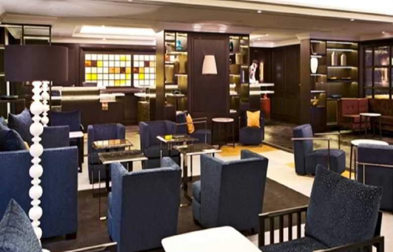 Hilton Vienna Plaza - Bar - 9