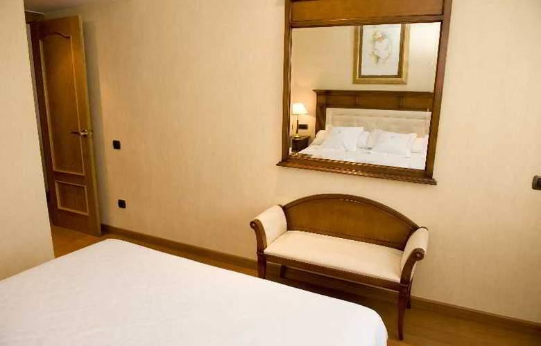 Hispanos 7 Suiza Apartament-Restaurant - Room - 7