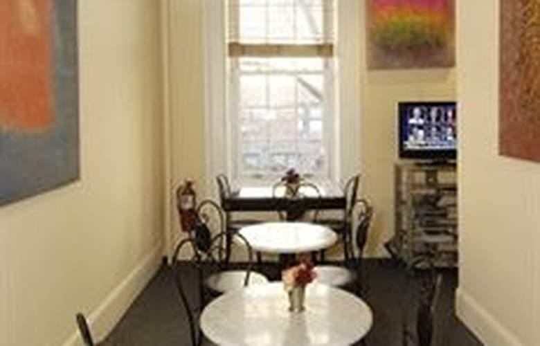 Colonial House Inn - Meals - 14