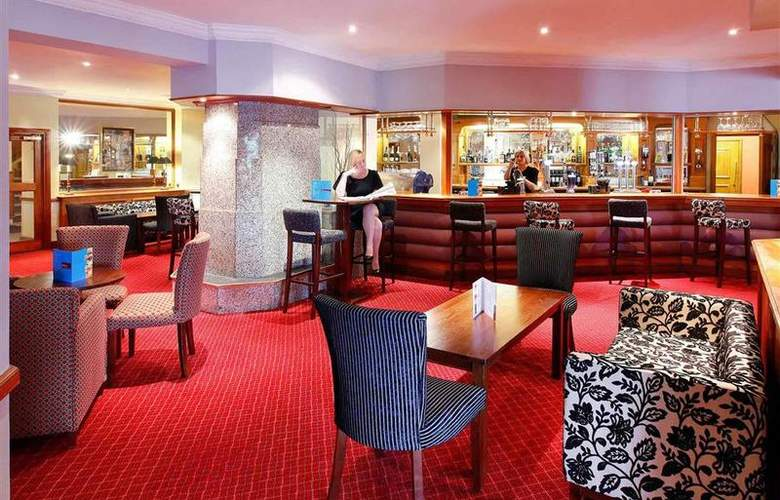 Mercure Chester North Woodhey House Hotel - Bar - 30
