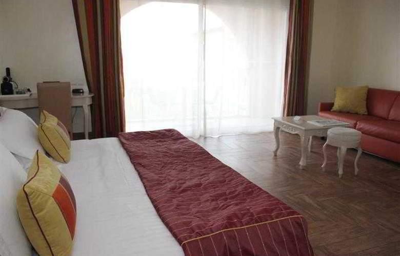 Best Western Soleil et Jardin Sanary - Hotel - 1