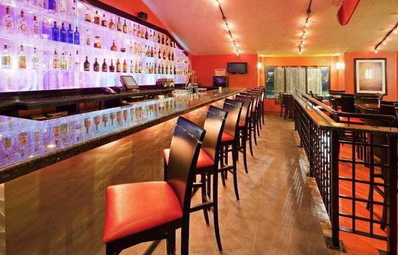 Holiday Inn Cape Cod-Hyannis - Hotel - 5