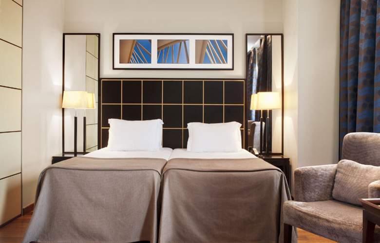 Eurostars Gran Valencia - Room - 15