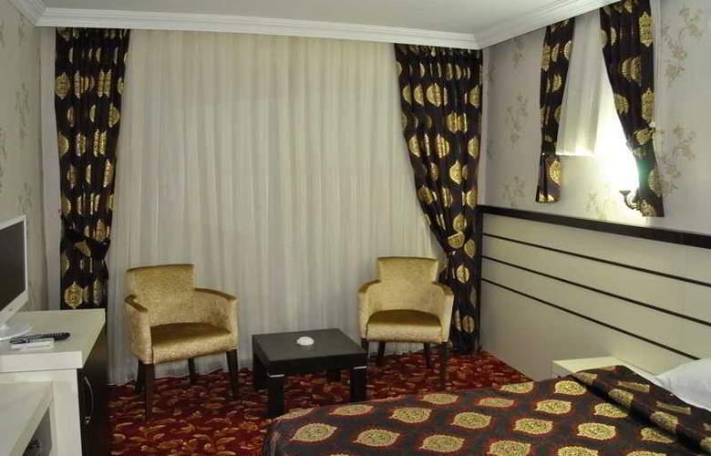 Lara Park - Room - 4
