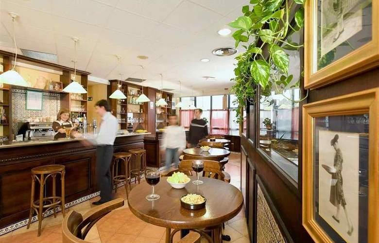 Ibis Valladolid - Bar - 15