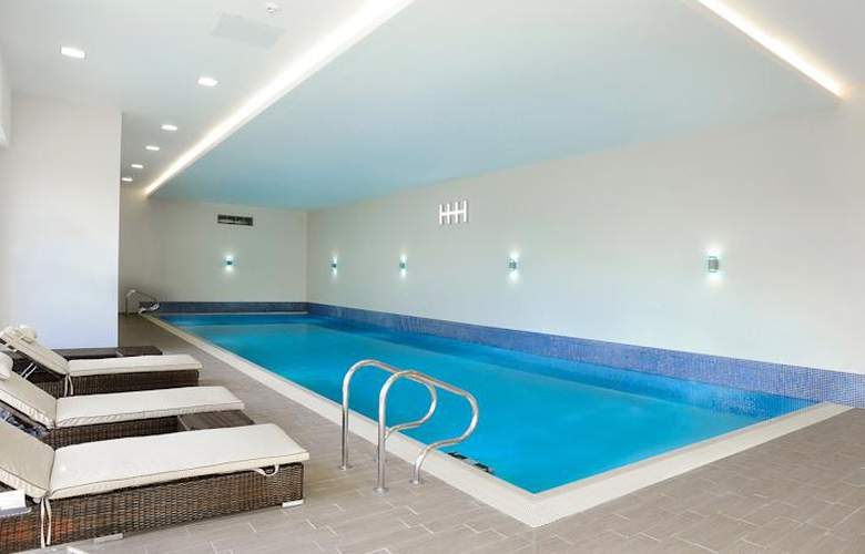 Heston Hyde - Pool - 7
