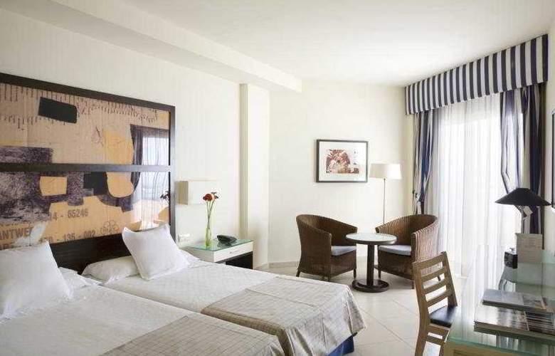 H10 Estepona Palace - Room - 2
