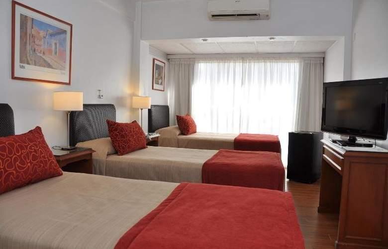 Gran Hotel Buenos Aires - Room - 13