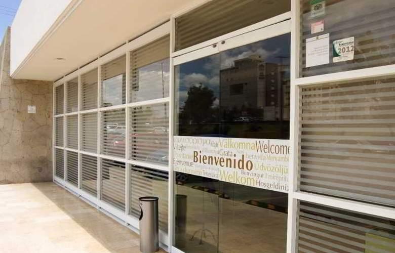 Turotel Queretaro - Hotel - 10