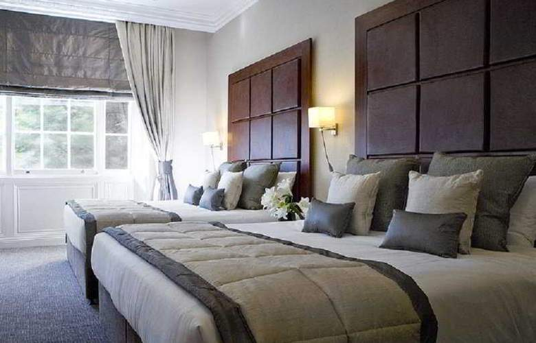 Grange Blooms Hotel - Room - 0