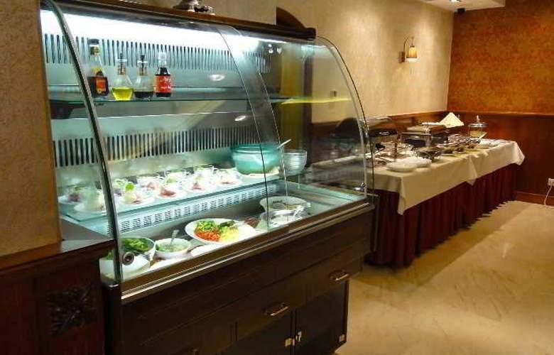 Gold Buda - Restaurant - 51