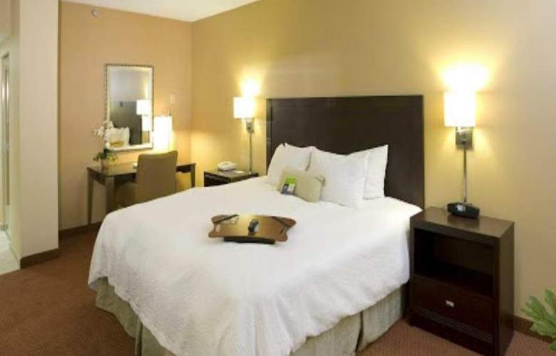 Hampton Inn Waldorf - Room - 10
