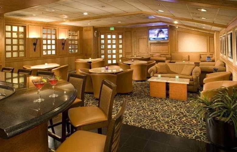 Holiday Inn Buena Park - Bar - 4