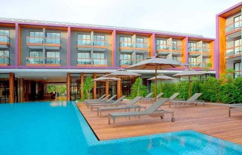 Holiday Inn Express Phuket Patong Beach Central - Pool - 2