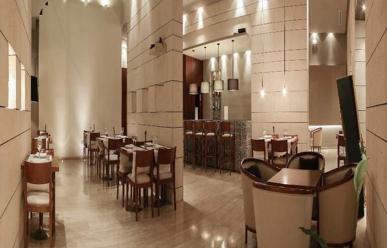 Rey Alfonso X - Restaurant - 52