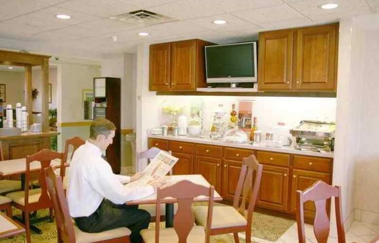 Hampton Inn Elkhart - Hotel - 4