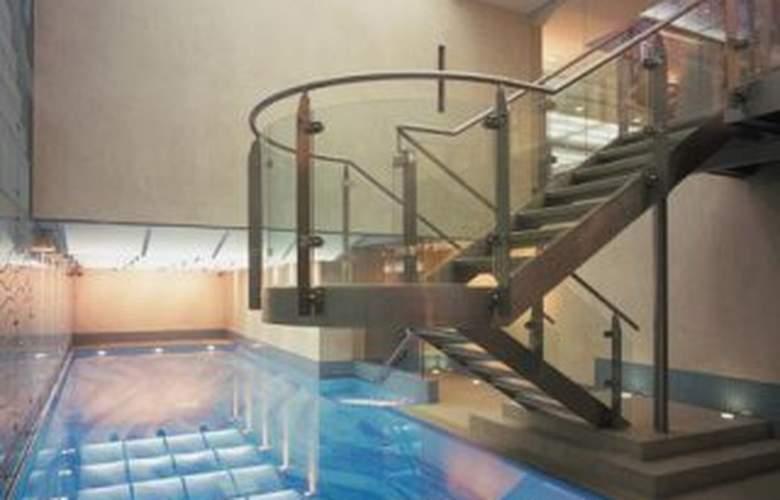 The Langham London - Pool - 3