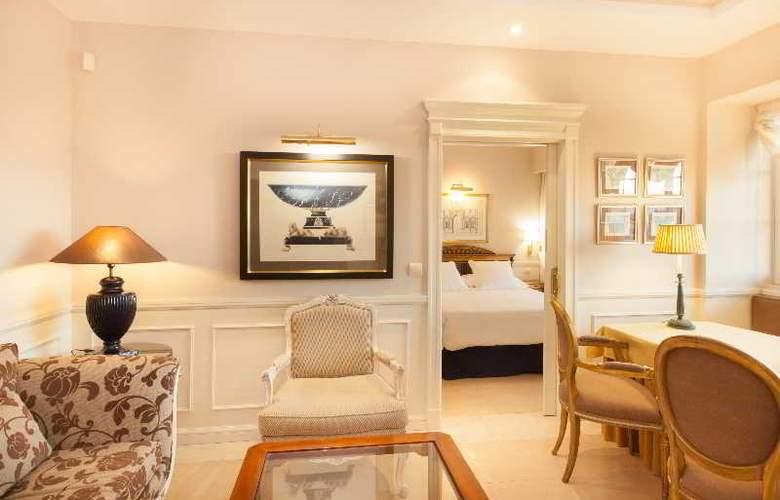 Apartamentos Guadalpin Suites - Room - 3