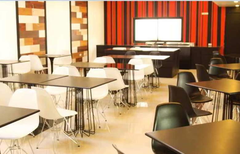 Heritage Hotels Srinakarin - Restaurant - 14
