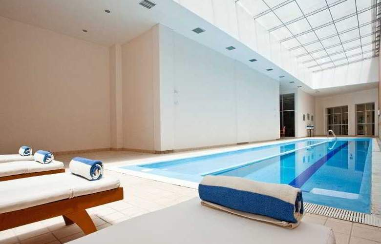 Holiday Inn Express Puebla - Pool - 24