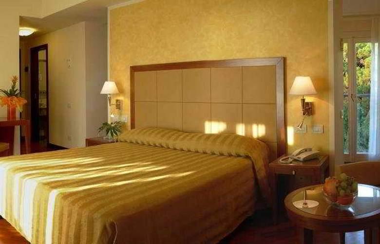 Versilia Palace - Room - 2