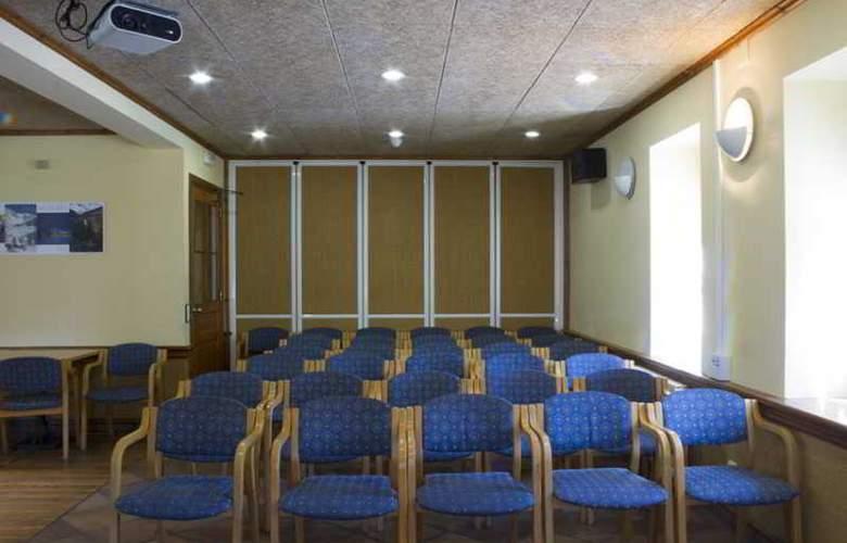 Vall De Nuria Apartamentos - Conference - 3