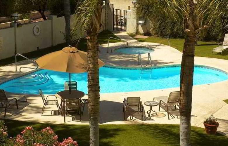 Hampton Inn Tucson-Airport - Hotel - 4