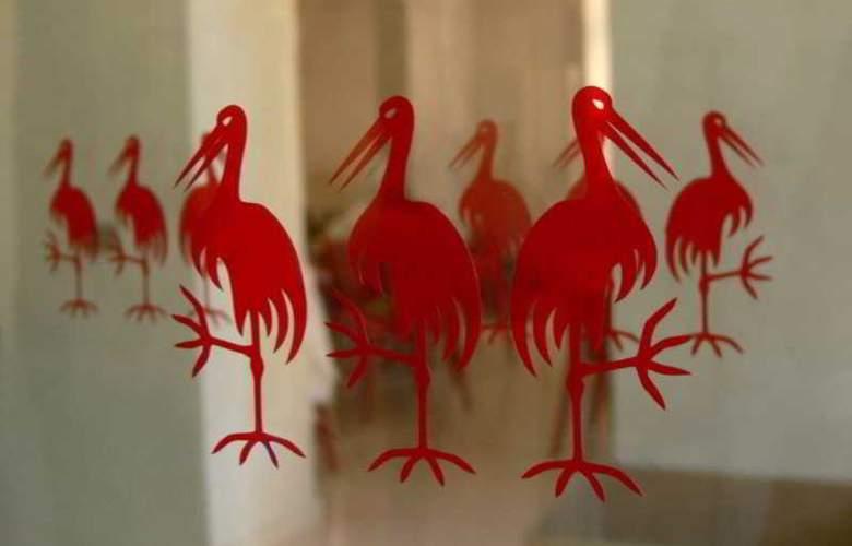 Three Storks Hotel - Hotel - 8