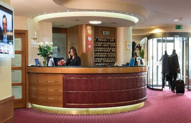 Hotel Lugano Dante Center - General - 12