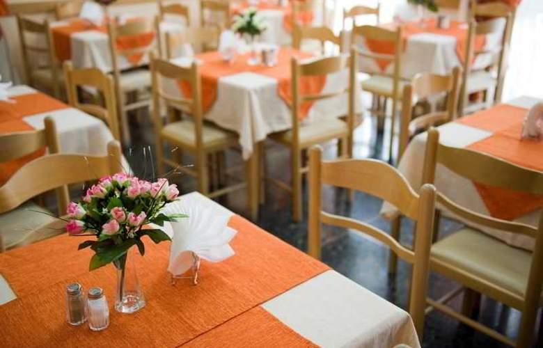Carolina - Restaurant - 9