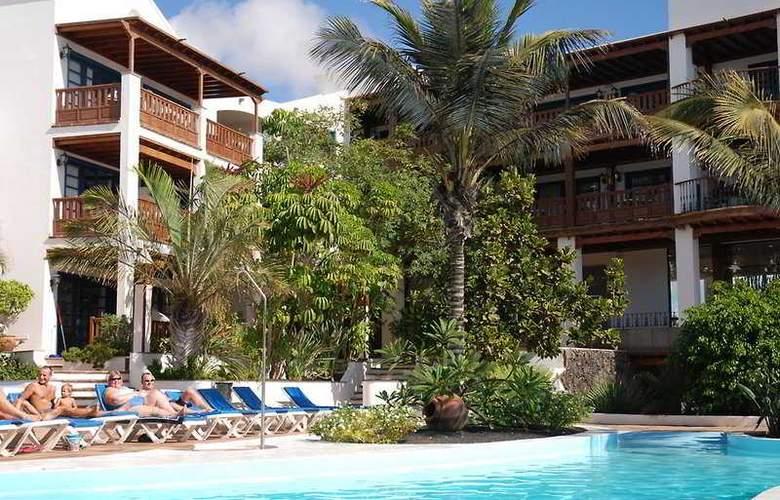 Mansion Nazaret - Pool - 8