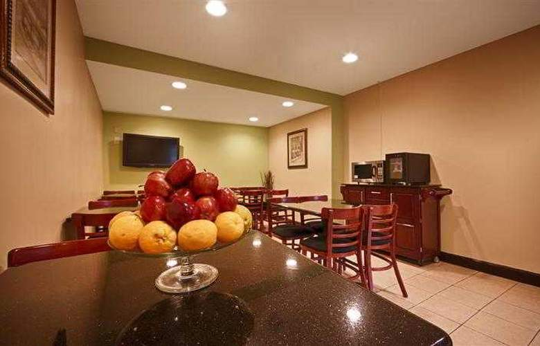 Best Western East Brunswick Inn - Hotel - 14